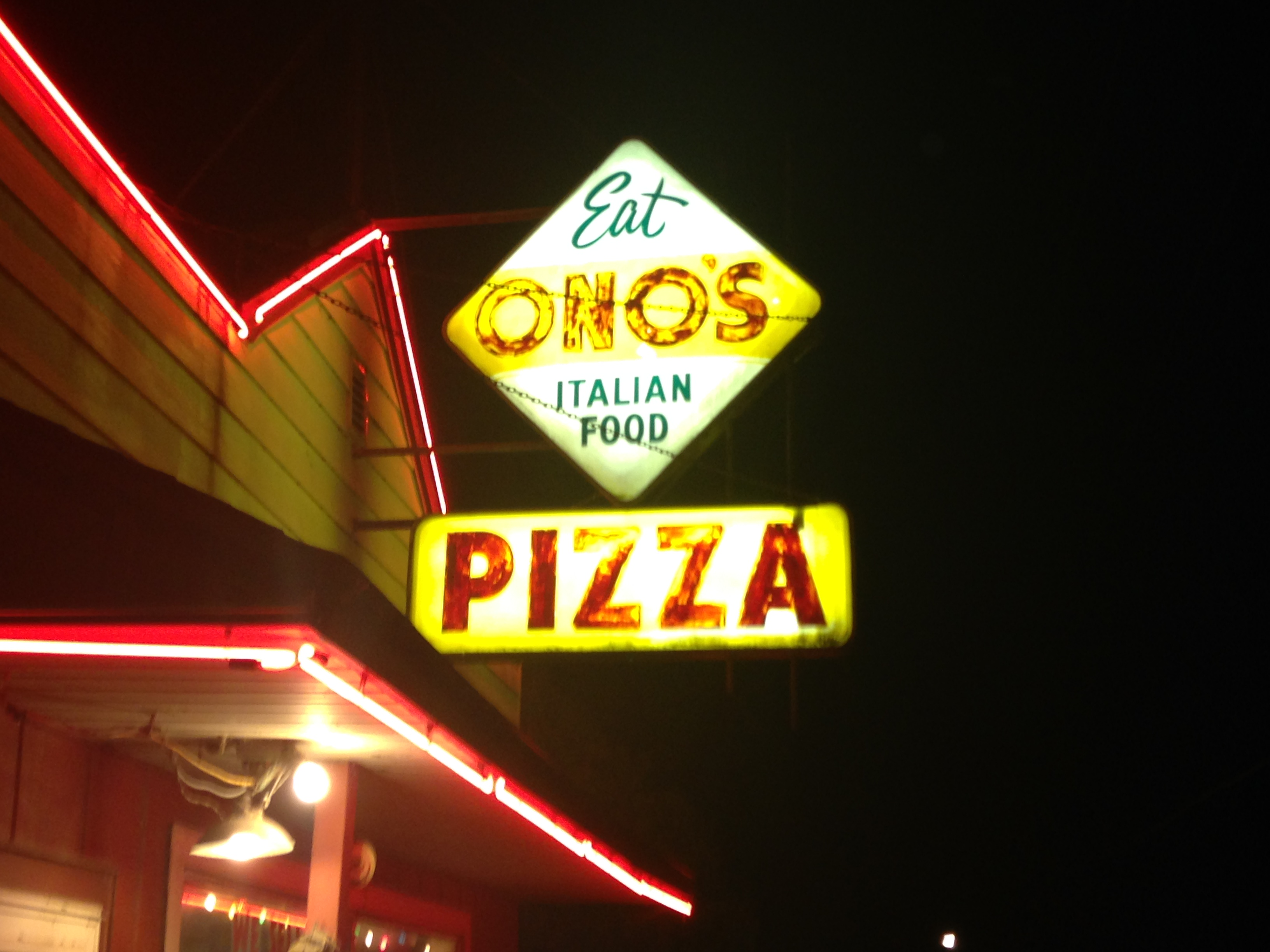 Eat Ono's Italian Food Pizza - Sign and Neon at Night - December 20, 2014