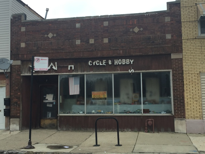 Hegewisch Cycle and Hobby - Pudgy's Pizza, Hegewisch - Chicago Pizza Hound